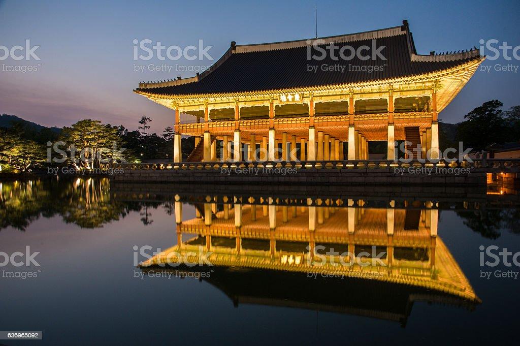 night view of gyeonghoeru pavilion in gyeongbokgung palace1 stock photo