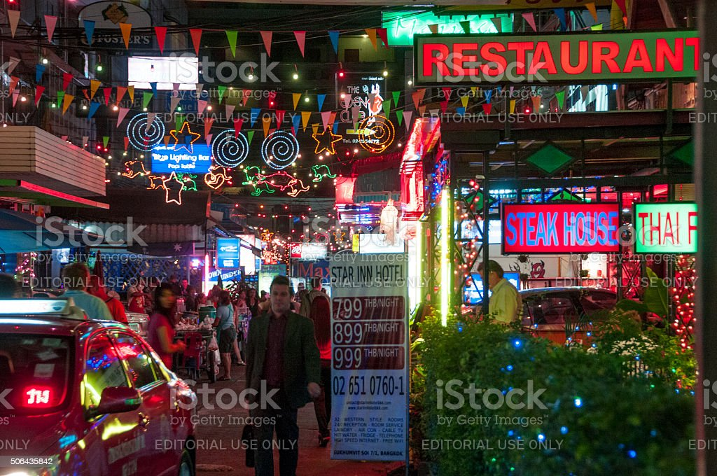 Nightlife In Sukhumvit Soi 7 In Bangkok, Thailand stock photo