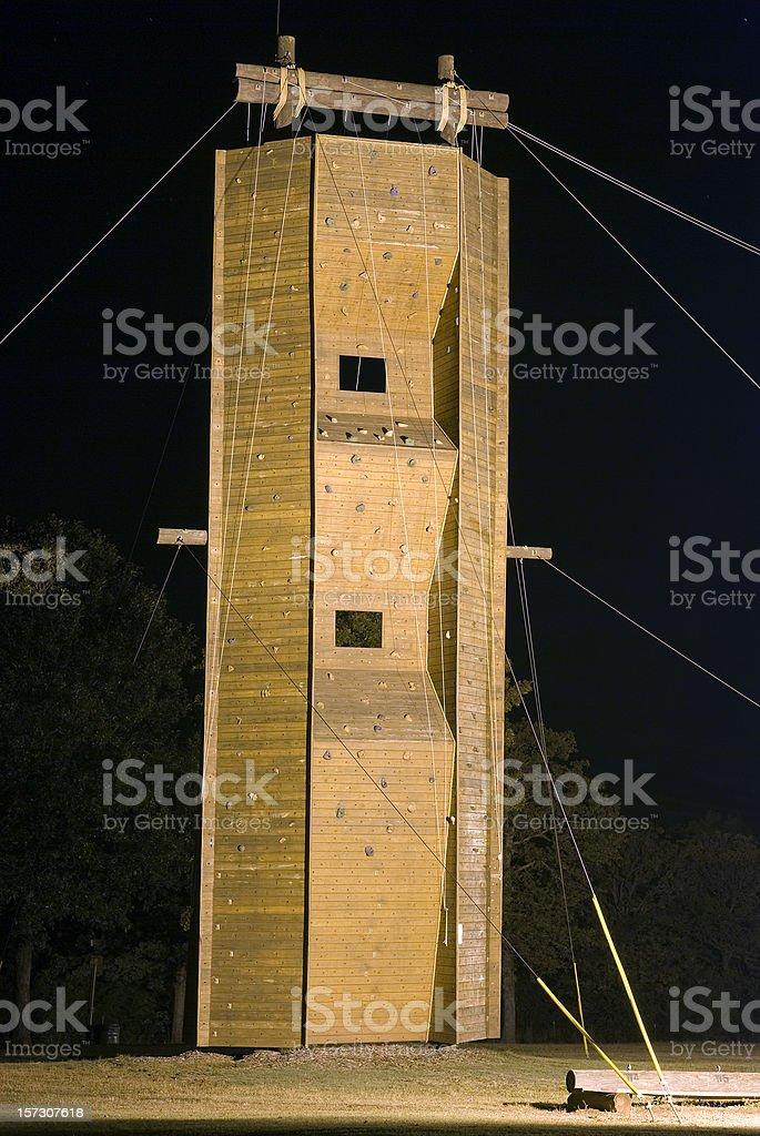 Nachts Ropes Course Lizenzfreies stock-foto