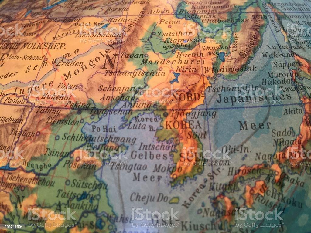 Nordkorea, Sued Korea Karte - Alter Globus / Weltkarte stock photo