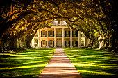 Oak Alley Plantation House in Louisiana, USA