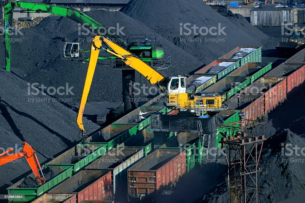 oal unloading of wagons stock photo