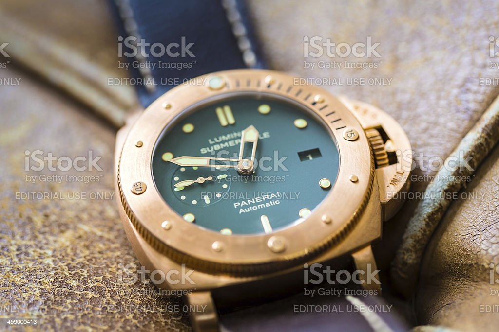 Officine Panerai Luminor Submersible PAM382 Bronzo stock photo