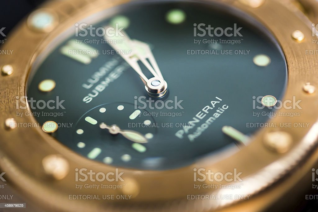 Officine Panerai PAM382 Bronzo Detail Green Dial Bronze Bezel stock photo