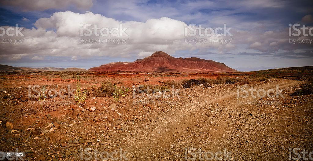 Offroad über die Vulkanlandschaft der Insel Fuerteventura Lizenzfreies stock-foto