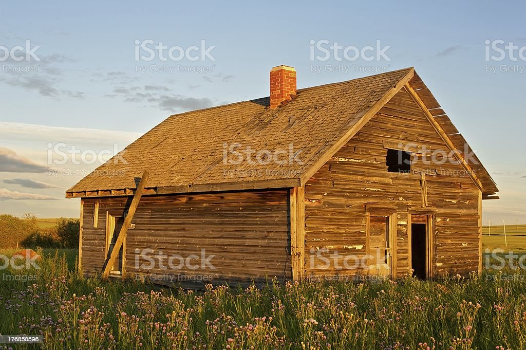 old abandoned farm building: derelict farmhouse royalty-free stock photo