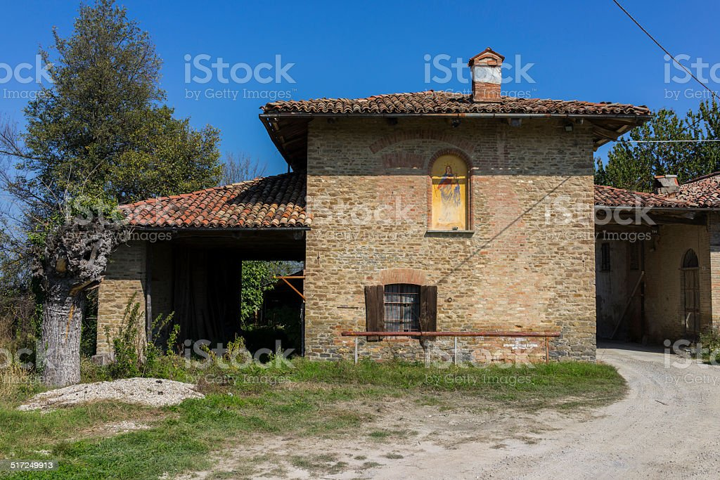 Old abandoned farm in Langhe (Unesco World Heritage site) stock photo