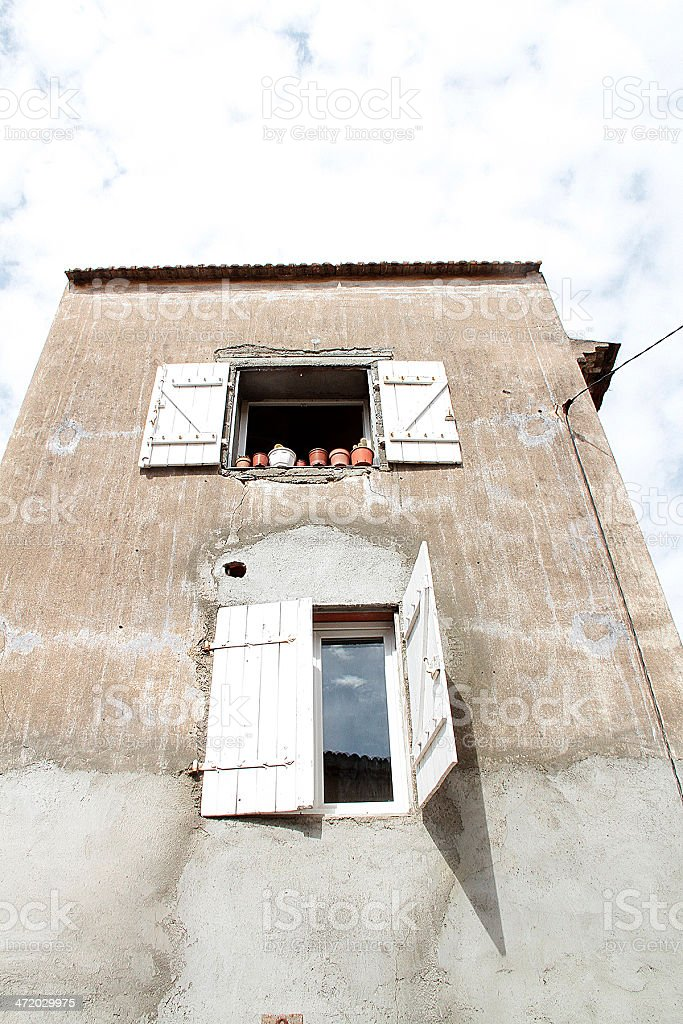 Vecchio edificio in Marseillan, Francia foto stock royalty-free