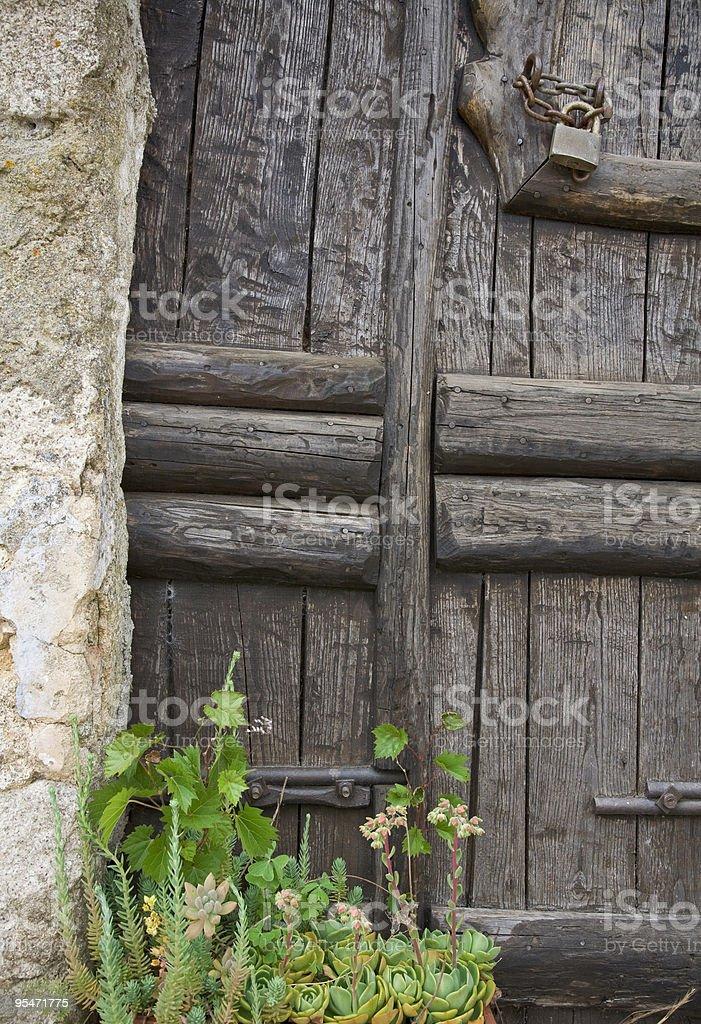 Vieille porte en Sardaigne photo libre de droits
