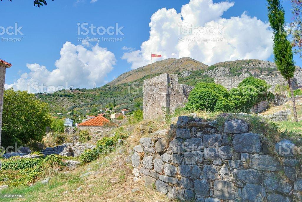 Stara Forteca z flagą. zbiór zdjęć royalty-free