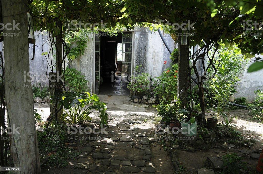 """old house """"entrée photo libre de droits"""