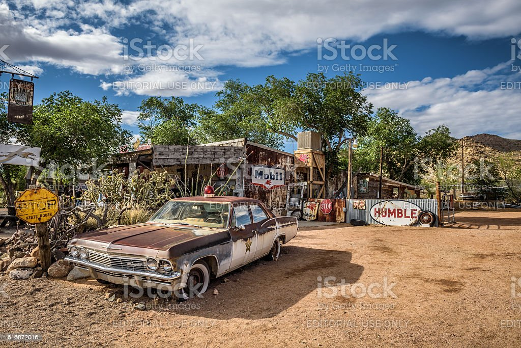 Old sheriff's car with a Siren in Hackberry, Arizona stock photo