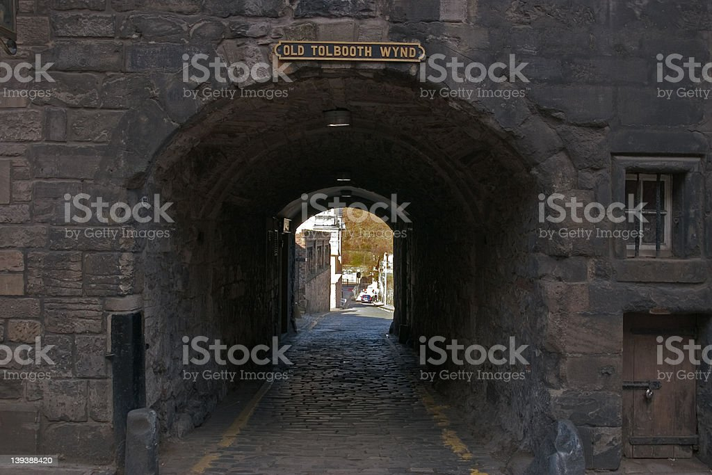 Old Tolbooth Wynd, Canongate, Edinburgh stock photo
