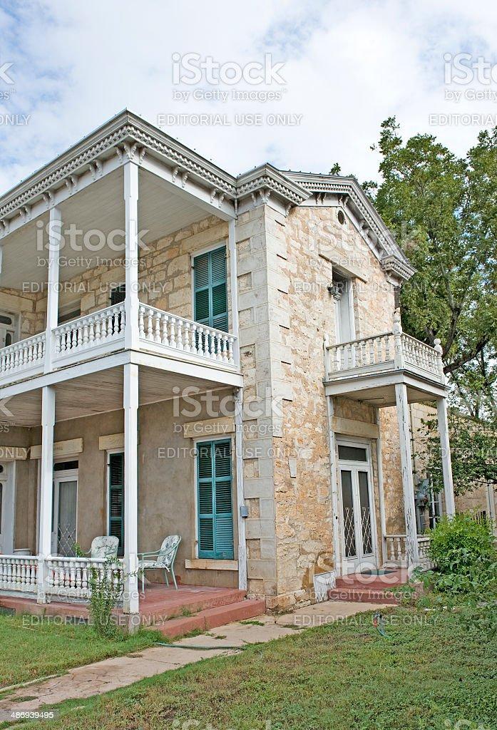 Older Multilevel home in Fredricksburg Texas stock photo