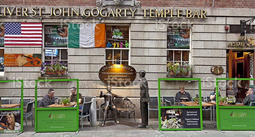 Oliver Joseph St John Gogarty pub, Temple Bar, Dublin, Ireland stock photo
