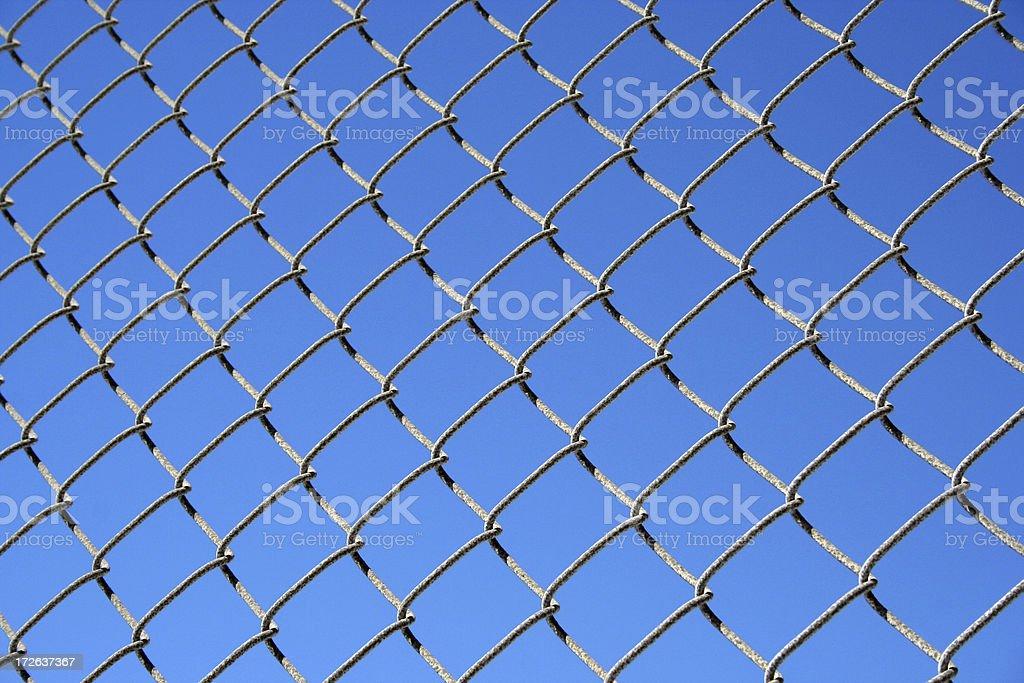 Sur la clôture, détail de barrière en métal photo libre de droits