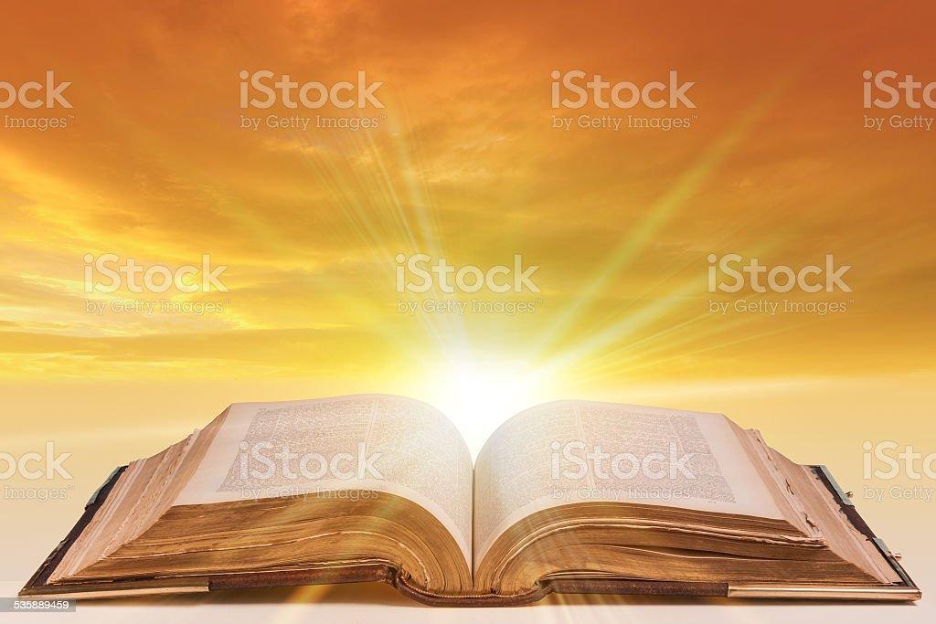 """Résultat de recherche d'images pour """"image de la bible"""""""