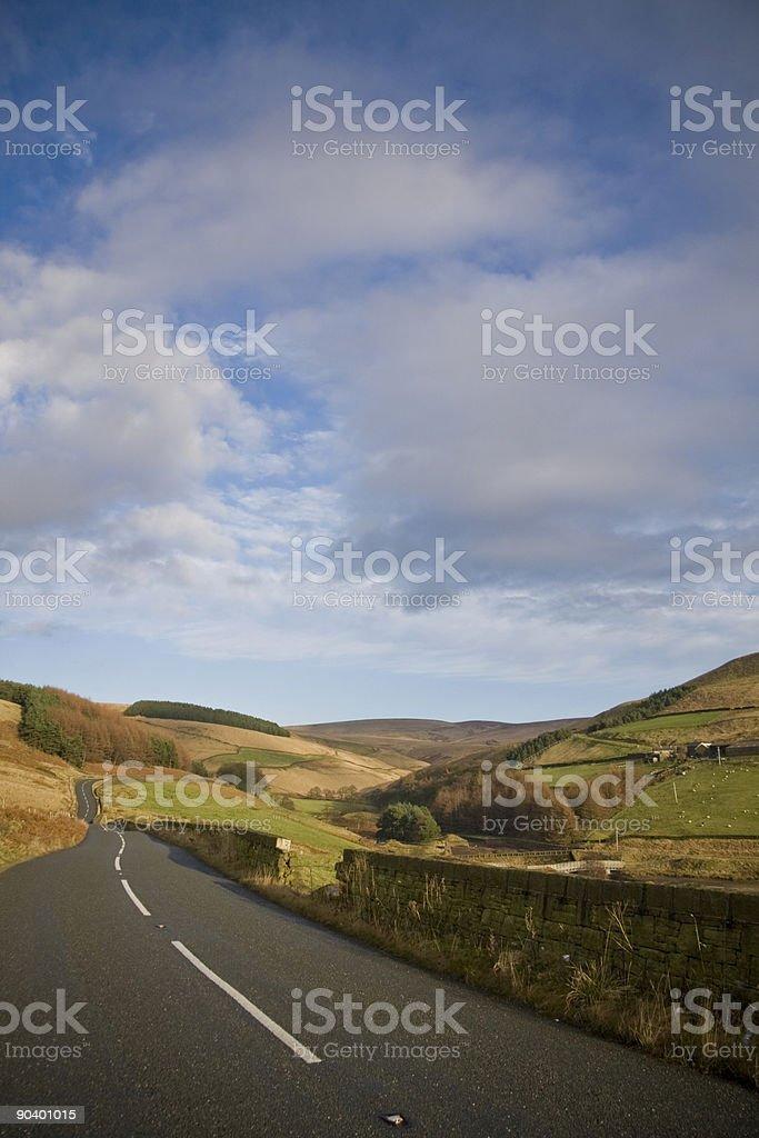 Открытый Сельская дорога в Йоркшир Стоковые фото Стоковая фотография