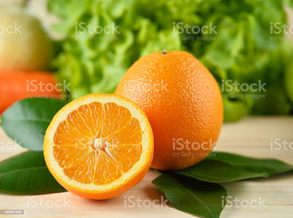 Plasterek pomarańczy na białym tle zbiór zdjęć royalty-free