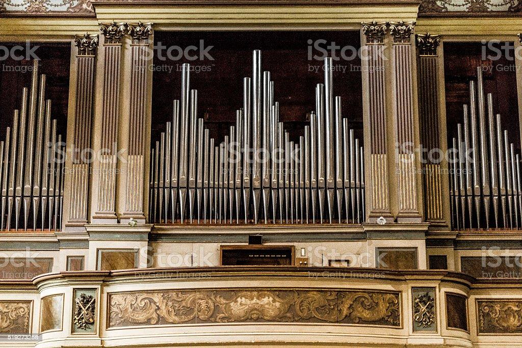 organo della chiesa stock photo