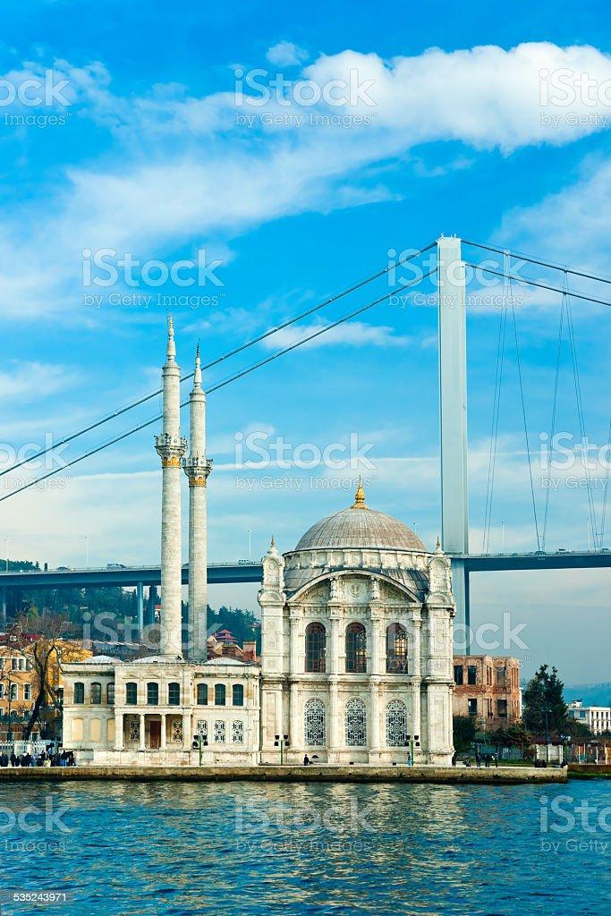 Ortakoy-Moschee, Istanbul, Türkei. – Foto