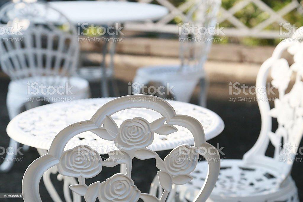 Mesas al aire libre y sillas foto de stock libre de derechos