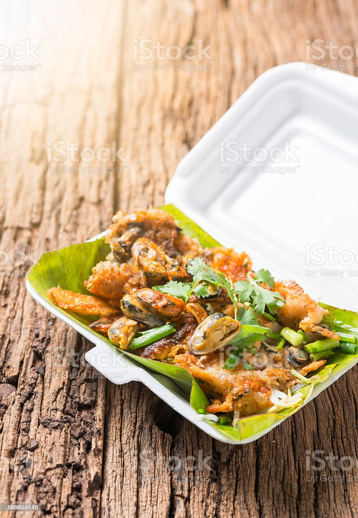 oysters fried - crispy mussel with bean sprout stock photo