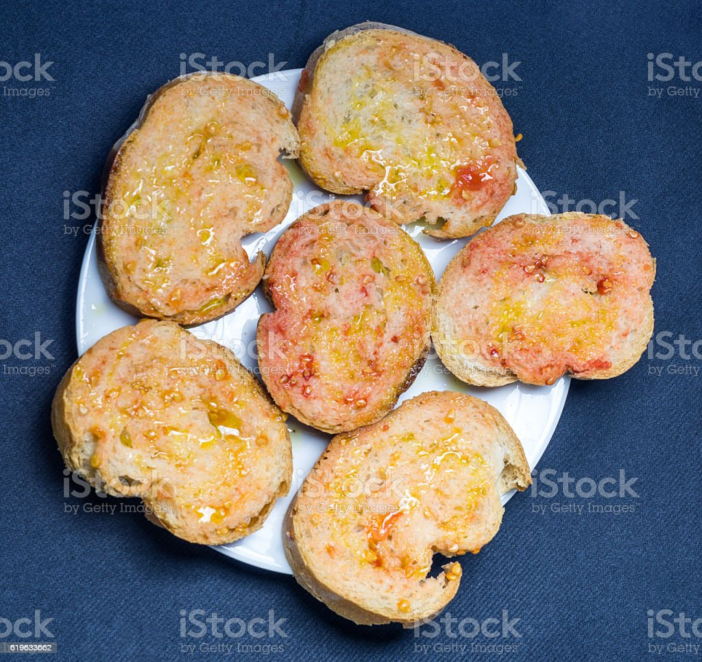 pa amb tomaquet pan con tomate catalan snack stock photo