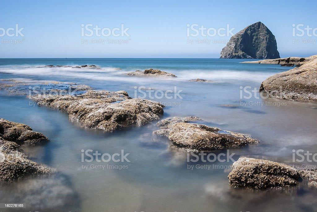 Pacific City Haystack Rock an der Küste von Oregon Lizenzfreies stock-foto