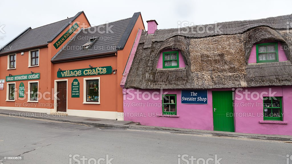 Painted thatched cottages, Doolin village, County Clare, Ireland stock photo