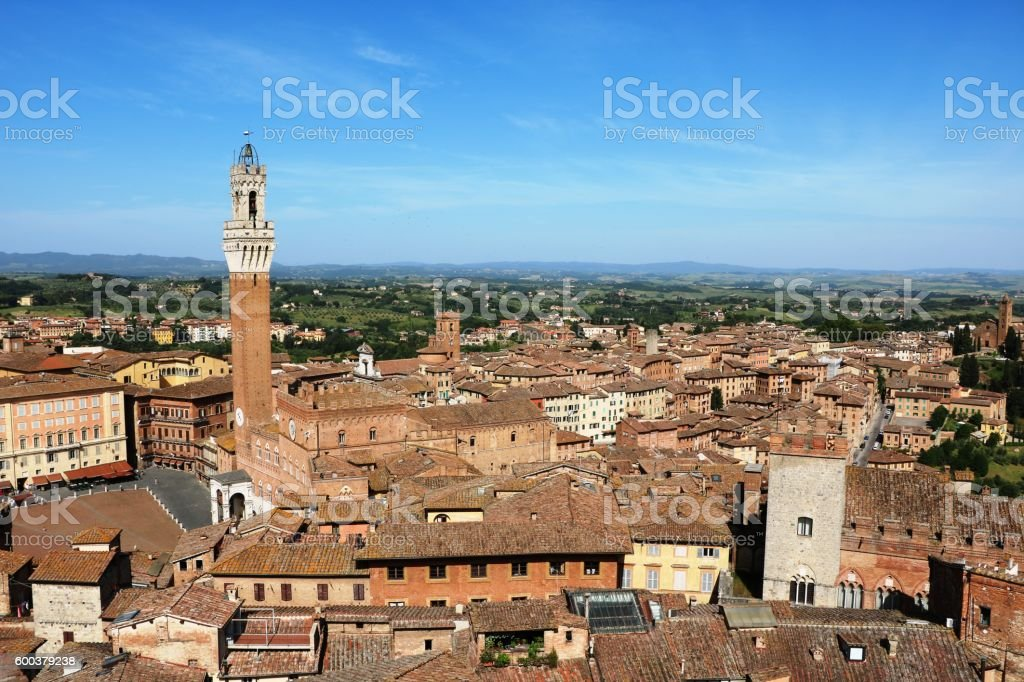 Palazzo pubblico and Torre del Mangia in Siena, Tuscany Italy stock photo