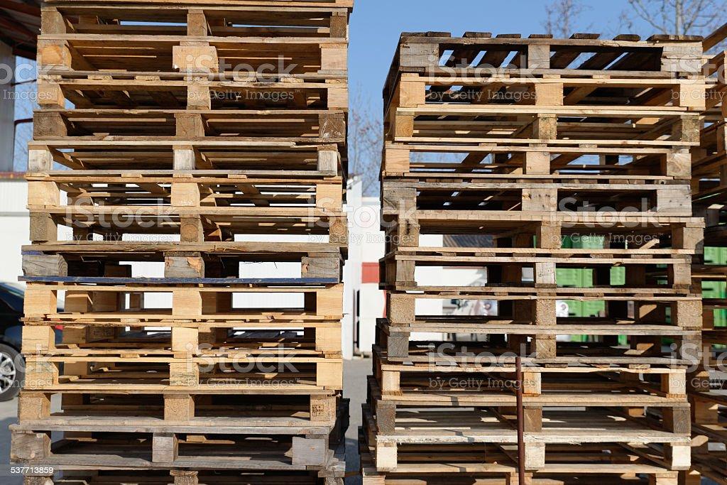 Palette en bois pour le transport. stock photo