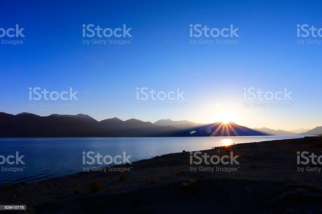 Pangong lake before the sunrise , Leh ladakh in autumn stock photo