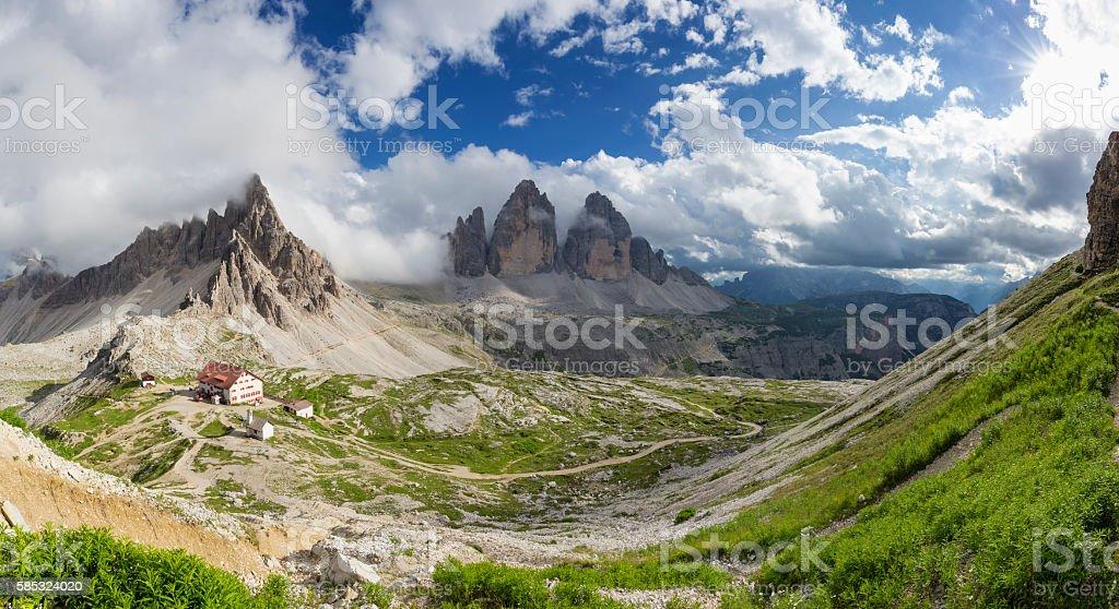 Panorama Dreizinnenhütte - Rifugio Antonio Locatelli stock photo