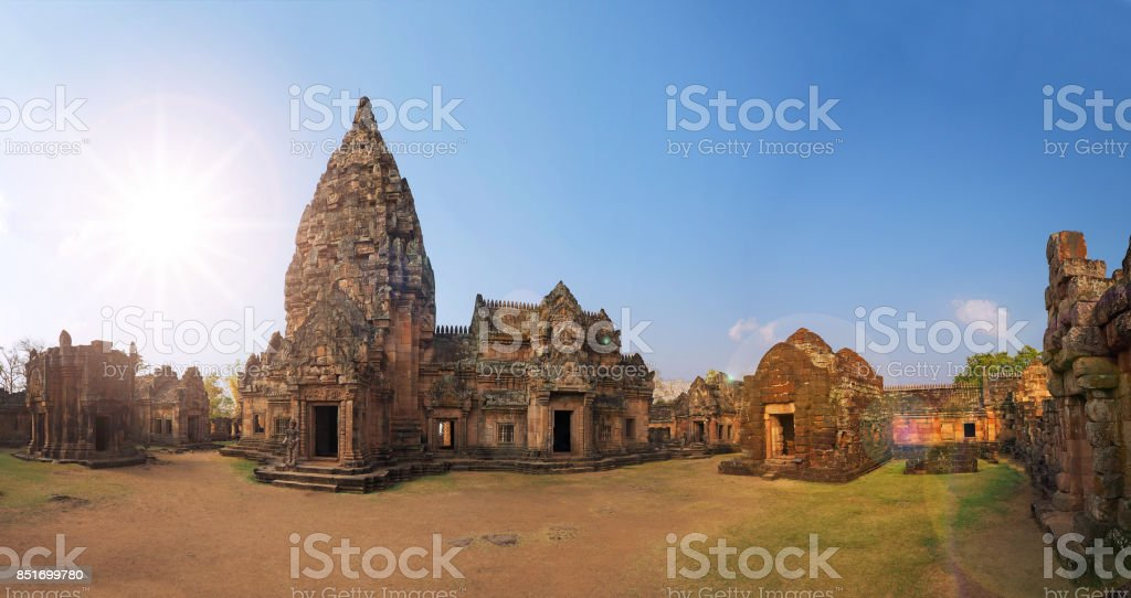Panorama Prasat Hin Phanom Rung, a Ancient Cambodian Stone carving temple complex set with sun light shine in Phanom Rung Historical Park, Buriram province, Thailand stock photo