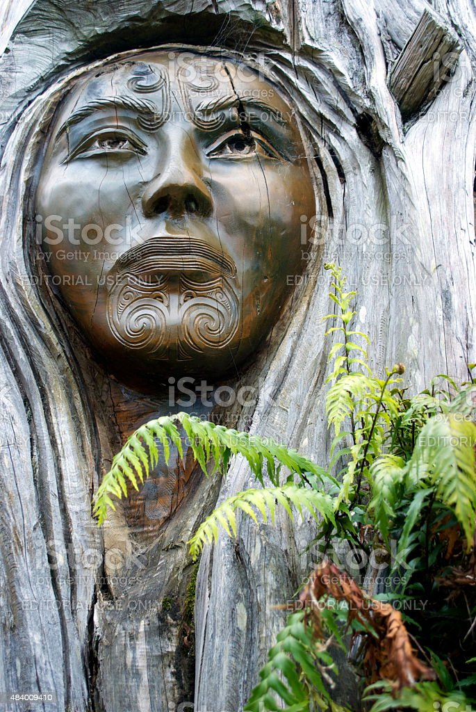 'Papa and Rangi' Sculpture by Brian Woodward and Ken Blum stock photo