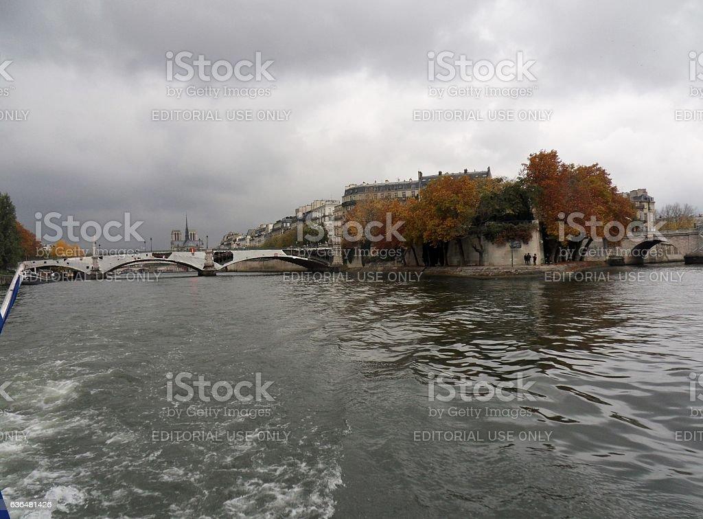 Parigi - Pont de Sully dalla Senna stock photo