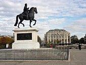 Parigi - Statua equestre di Enrico IV su Pont Neuf