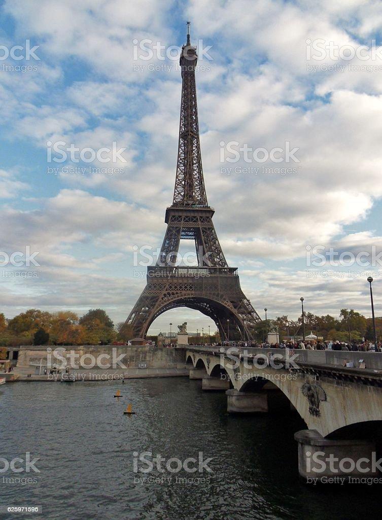 Parigi -  Torre Eiffel da Place de Varsovie stock photo