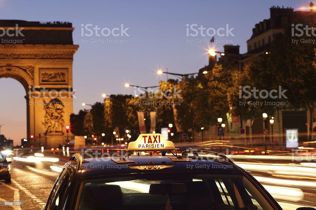 Париж такси до Arc de Triomphe. Стоковые фото Стоковая фотография