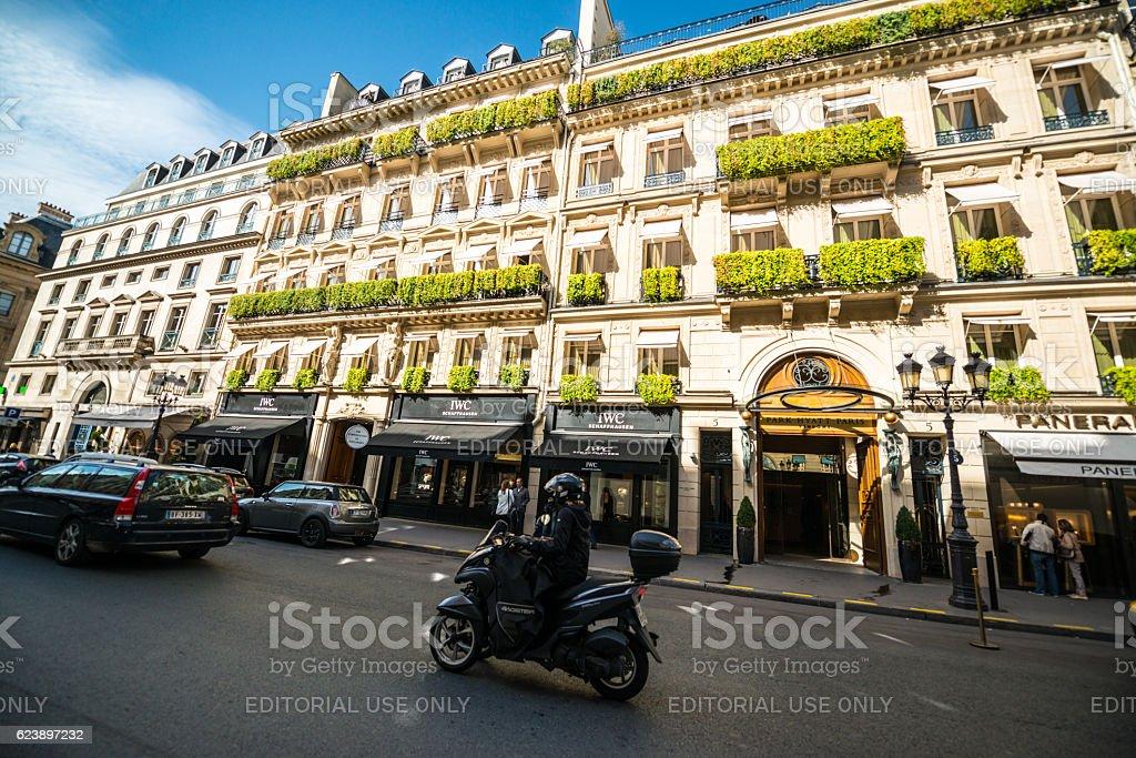 Park Hyatt Hotel and Luxury shops in Paris, France stock photo