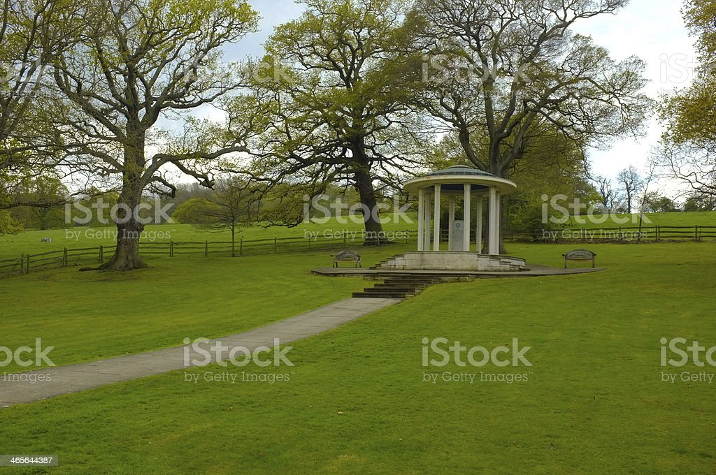 Park view of the Carta Magna Memorial stock photo