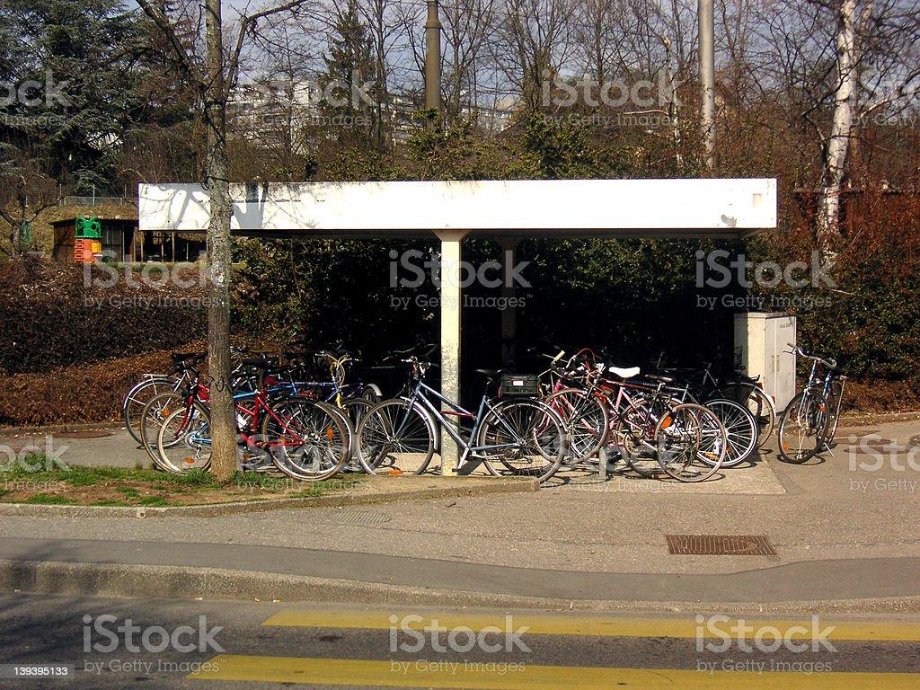 自転車の駐車場 ロイヤリティフリーストックフォト