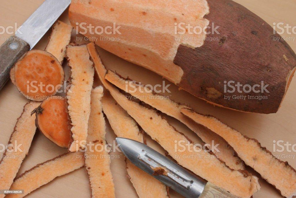 Patate douce épluchée stock photo