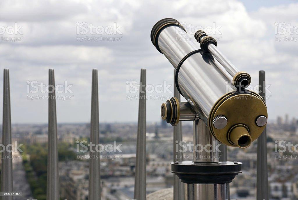 Оплатите телескоп на туристическое место назначения Стоковые фото Стоковая фотография