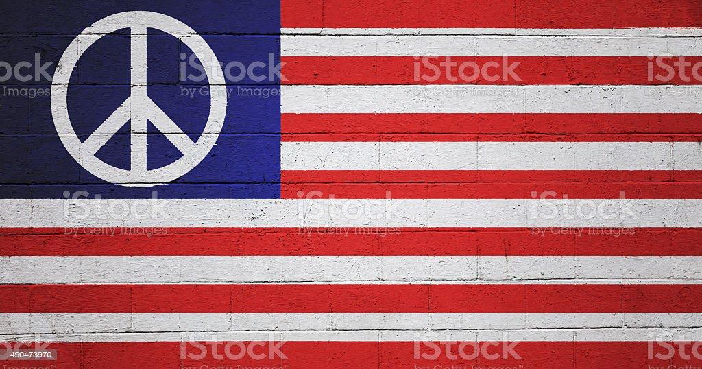 Uns Frieden Flagge gemalt auf eine Wand – Foto