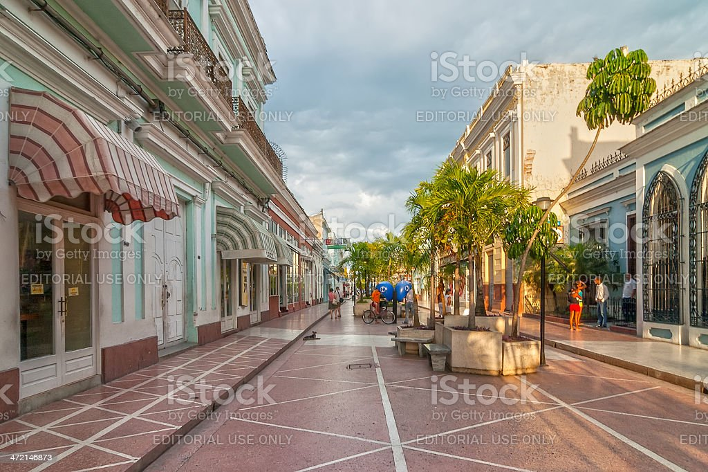 Pedestrianized Avenue 54 lit with evening sun stock photo