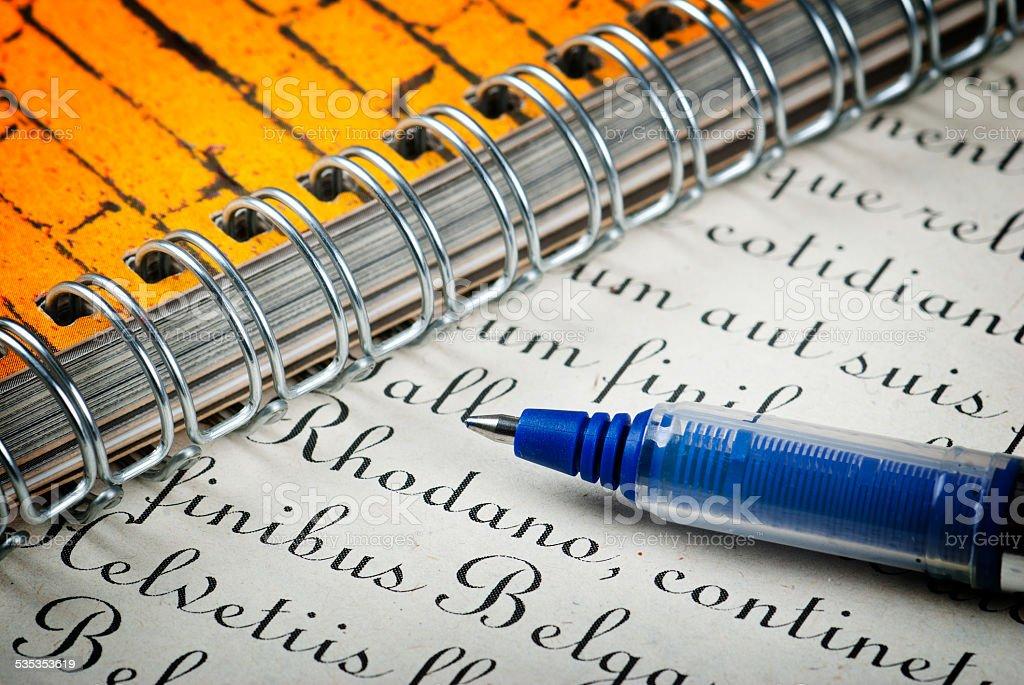 Bolígrafo y carta foto de stock libre de derechos