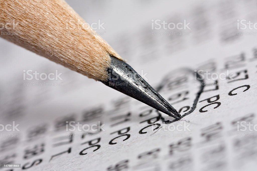 Bleistift und Tageszeitung Lizenzfreies stock-foto