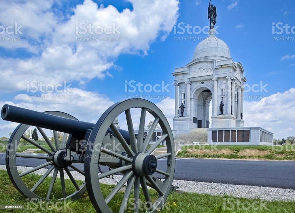 Pennsylvania Memorial and Civil War Cannon on Gettysburg Battlefield stock photo